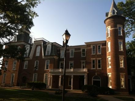 Senior_hall_north_Stephens_college